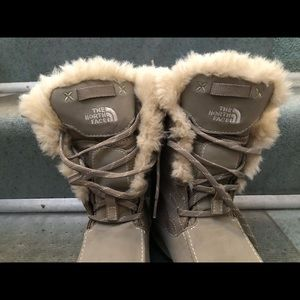 The North Face Big Girls Fur Waterproof Boots